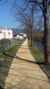 Da freut sich selbst der Osterhase: Der neu gekieste Furtbachweg.
