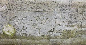 Inschrift des Brunnens beim Café am Bach.