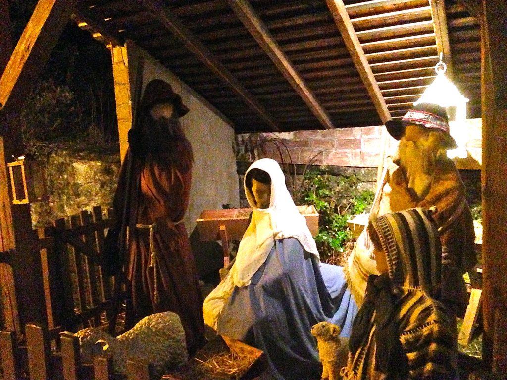 Weihnachtskrippe bei der Alten Kirche.